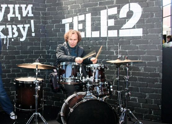 играна барабанах с теле2